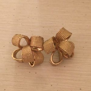 EUC Lilly Pulitzer Bow Critter Earrings Gold